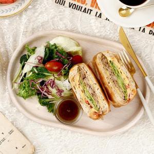 닭가슴살 치아바타 샌드위치 & 샐러드 (한개)