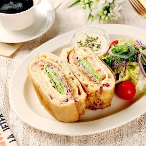 베이컨 치아바타 샌드위치 & 샐러드 (한개)