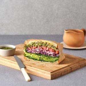 바질페스토 닭가슴살 샌드위치 (반개)