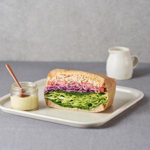 와사비마요 크래미 샌드위치 (반개)