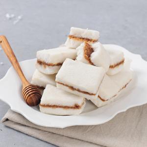 [떡미당] 우리쌀로 만든 아땅꿀백설기 500g (아몬드 땅콩 꿀 백설기) x 2개